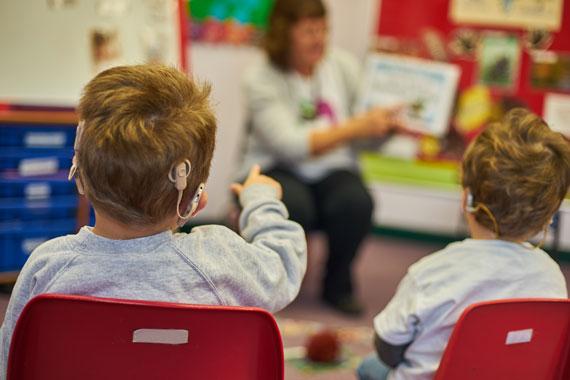 children-classroom-570w
